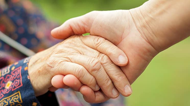 Haftpflichtversicherung – was müssen Angehörige von Demenzkranken beachten?