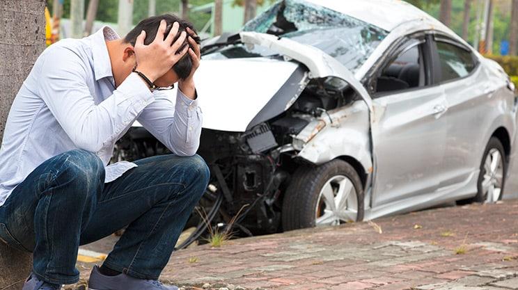 TÜV abgelaufen und Autounfall – zahlt die Versicherung?