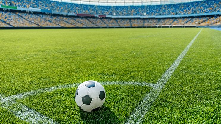 Versicherungen und Fußball – eine beliebte Partnerschaft