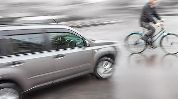 Wann zahlt die Versicherungen bei Unfällen auf dem Weg zur Arbeit?
