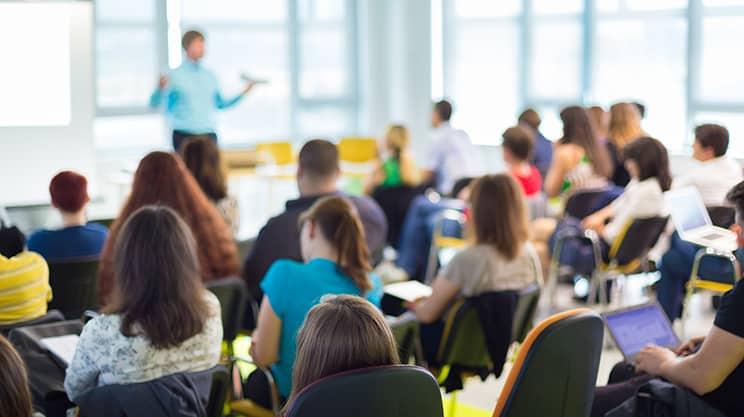 Wie sinnvoll sind Seminarversicherungen?