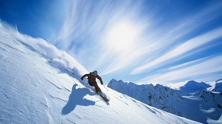 Mit der Skiversicherung sicher auf der Piste unterwegs